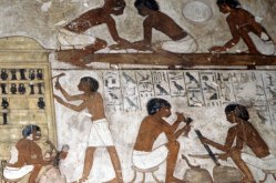 Egyptian-Pyramid-Workers-2